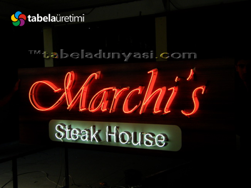 Marchi's Steak House neon tabela
